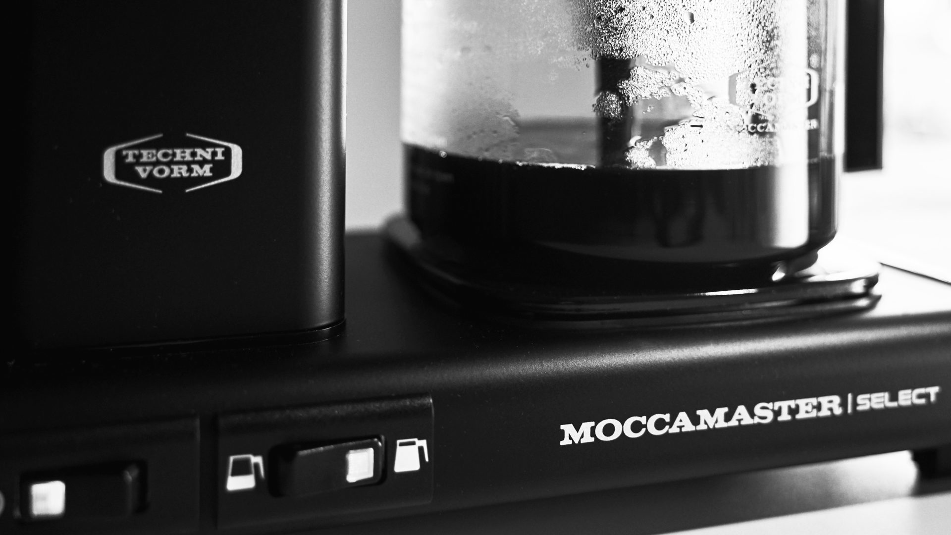 Moccamaster:<p> The Easy-Going Coffee Brewer